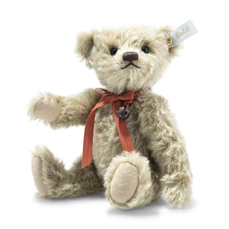 Life size Paddington Bear™